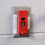 Systèmes de condamnation d'interrupteurs muraux